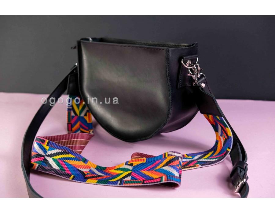 Черная кожаная сумочка с цветным ремешком K00005-11