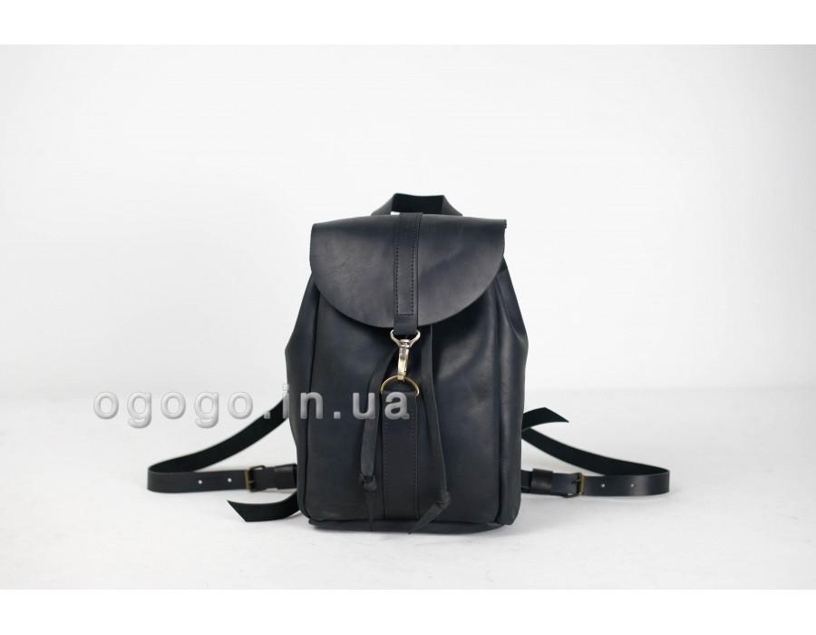 Красивый черный кожаный рюкзак на карабине K00041-5
