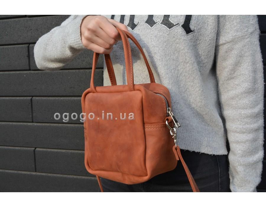 Маленькая вместительная кожаная сумочка T00006-4